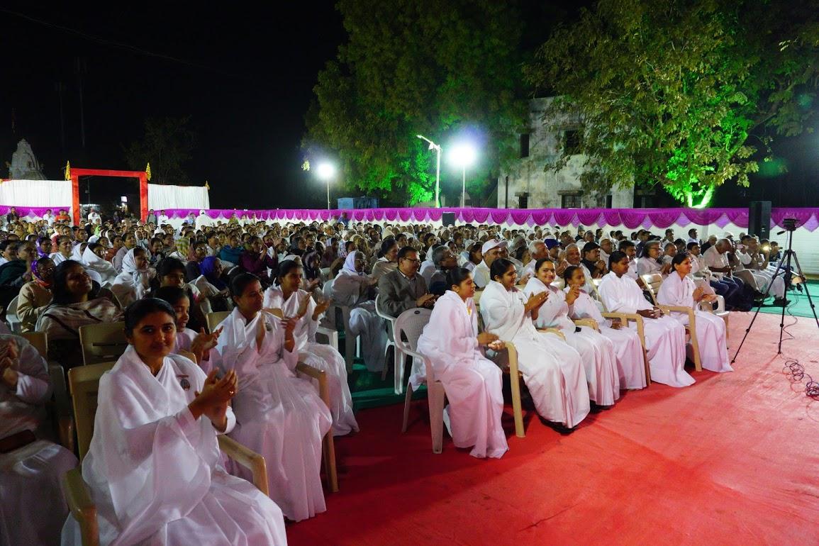 गांधीनगर की फुलवारी - श्रोतागण